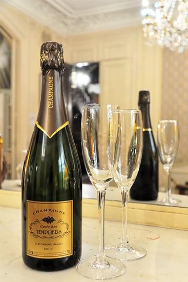 Champagne de la Cuvée des Templiers à notre Hôtel 4 étoiles de Reims.